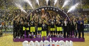 Kadınlar Basketbol Süper Liginde Şampiyon Fenerbahçe