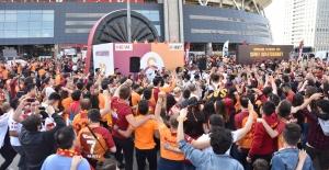 Şampiyon Galatasaray'a Türk Telekom Ana Sponsorluğunda Özel Kutlama