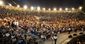 """İBB Şehir Tiyatroları Açıkhava Yaz Oyunları """"Cibali Karakolu"""" İle Sona Erdi"""