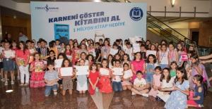 İş Bankası'ndan Çocuklara Karne Hediyesi