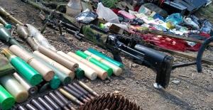 Pençe Harekâtı'nda Terör Örgütü PKK'ya Ait Pek Çok Silah, Mühimmat Ele Geçirildi