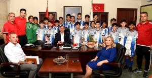 Seyhan Belediyespor U-12 Ve U-13 Futbol Takımları Şampiyon Oldu