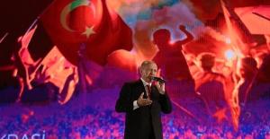 """Cumhurbaşkanı Erdoğan: """"O Karanlık Geceyi Aydınlatan Herkese Minnettarız"""""""