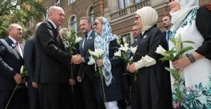Cumhurbaşkanı Erdoğan, Srebrenitsa Soykırımı Kurbanlarını Anma Törenine Katıldı