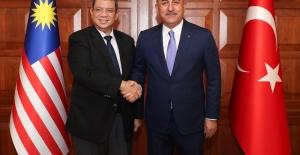 Dışişleri Bakanı Çavuşoğlu, Malezya Dışişleri Bakanı Abdullah'la Görüştü