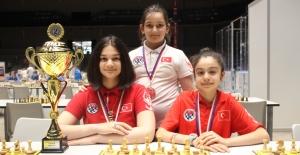 Satrançta, Kızlardan Avrupa İkinciliği