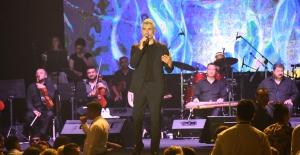 Ünlü Fransız Şarkıcı ve Özcan Deniz Elexus Sahnesinde!