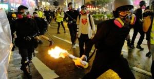 Hong Kong Yönetimi Ve Polisinden Şiddet Eylemlerine Kınama