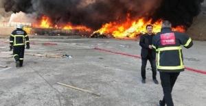 Kırıkkale'de Geri Dönüşüm Fabrikasında Yangın