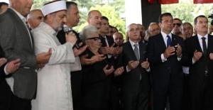 Merhum Başbakan Menderes Kabri Başında Anıldı