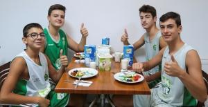 Okulda Başarı İçin Süt Ve Spor Şart!