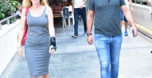 Sinan Kosif Ve Zarif Eşi Melda Hanım Kanyon'da Objektiflere Yansıdı