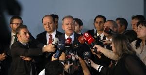 Bakan Akar'dan Siyasi Partilere Barış Pınarı Ziyareti