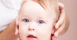 Bebeklerde 'Tortikollis' Tehlikesi