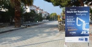 Belediye Öz Kaynakları İle Kuşadası Sokaklarını Yeniliyor