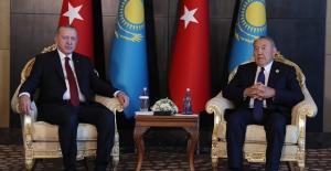 Cumhurbaşkanı Erdoğan, Kazakistan Cumhurbaşkanı Nazarbayev'le Görüştü