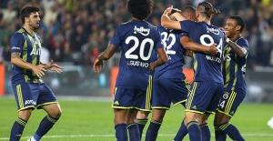 Fenerbahçe, Konyaspor'u Farklı Mağlup Etti