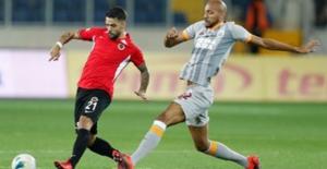 Galatasaray-Gençlarbirliği Maçından...