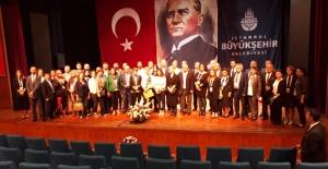 İstanbul Kent Konseyi Başkanı Da Bir Kadın