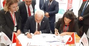 AK Parti Ankara Milletvekili Nevzat Ceylan'dan Örnek Davranış