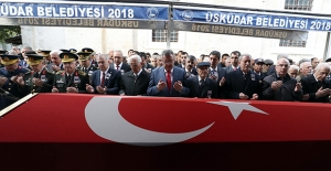 Bakan Akar ve Komuta Kademesi Vefat Eden Emekli Org. Büyükanıt'ı Son Yolculuğuna Uğurladı