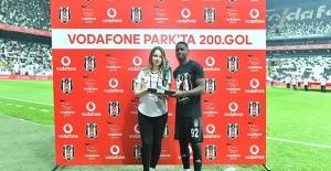 Beşiktaş, Vodafone Park'taki 200. Golünü Kutladı