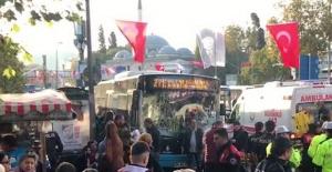 Beşiktaş'ta Halk Otobüsü Durağa Daldı!