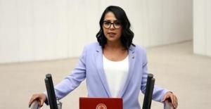 """CHP'li Kadıgil'den Bakan Selçuk'a Çağrı; """"Kadınlardan Taraf Olun!"""""""