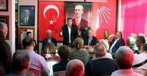 """CHP'li Sındır Rozet Taktı, """"Ailemiz Büyüyor, Partimiz İktidara Yürüyor"""""""
