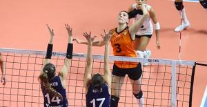 Eczacıbaşı VitrA, CEV Şampiyonlar Ligi'nde Fenerbahçe Opet'i 3-2 Mağlup Etti