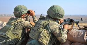 """MSB: """"Teröristlerin Barış Pınarı Harekât Bölgesine Yönelik Tacizlerine Karşılık Verildi"""""""