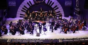 Piyano Festivali'nden Görkemli Açılış