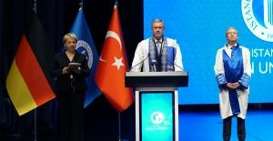 Almanya Eski Cumhurbaşkanı Wulff'a Fahri Doktora Ünvanı Verildi