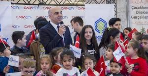 Bakırköy'de Çocuklar Yeni Yıl Dileklerine Kavuştu