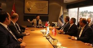 CHP Aydın Milletvekili Bülent Tezcan Kuşadası'nda Fakılı Kurumları Ziyaret Etti