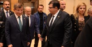 Davutoğlu'nun Ekibine İş Dünyasından İlk Transfer!