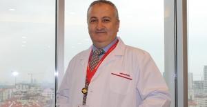 Prostat Hastalarının İki Büyük Endişesi Robotik Yöntemle Son Buluyor
