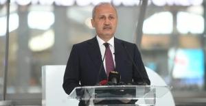 """Türkiye """"Hava Trafiğinin Merkezi"""" Olacak"""