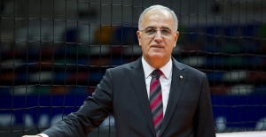 TVF Başkanı Üstündağ'dan Eczacıbaşı VitrA ve VakıfBank'a Tebrik Mesajı