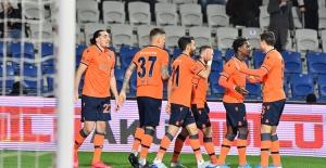 Başakşehir, Gençlerbirliği'ni 3-1 Mağlup Etti