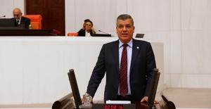 """CHP'li Barut: """"Tarım Bakanı Adana'ya Gelsin, Mağduriyeti Gidersin"""""""
