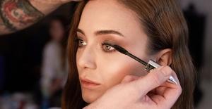 """Damla Sönmez Ve Eda Erdem Dündar L'Oréal Paris'in """"Sınırları Kaldır"""" Reklam Filminde Oynadı"""