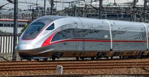 Dünyanın İlk Yüksek Hızlı Ve Sürücüsüz Treni Çin'de Seferlerine Başladı