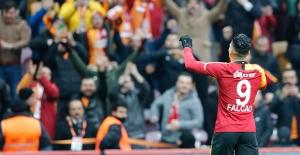 Galatasaray, Yukatel Denizlispor'u 2-1 Mağlup Etti