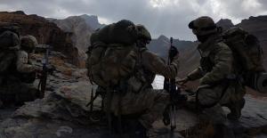 Irak'ın Kuzeyine Hava Destekli Operasyon: 2 Terörist Etkisiz Hale Getirildi