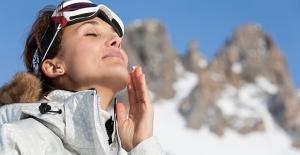 Kışın Cildinizin İki Kurtarıcısı; Güneş Koruyucu Ve Nemlendirici