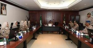 Suudi Arabistan Ordusun İlk Kadın Bölüğü Göreve Başladı
