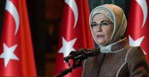 Emine Erdoğan, Koruyucu Aile Programı'na Katıldı