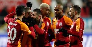 Galatasaray, Kasımpaşa'nın İşini İlk Yarıda Bitirdi