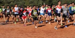 Kulüpler Kros Ligi 2. Kademe Yarışmaları Kuşadası'nda Yapıldı